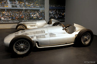 Mercedes Formula One - W154 (foreground) et WW125 -1939 and 1937